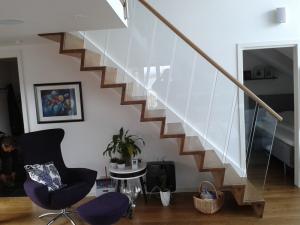 Glass rekkverk og trapper