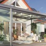 Glass utformingen av hagen med skyvedører